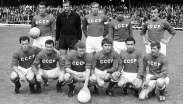 ВРоссии назвали символические сборные СССР. Четыре игрока итренер попали вовсе 10 команд