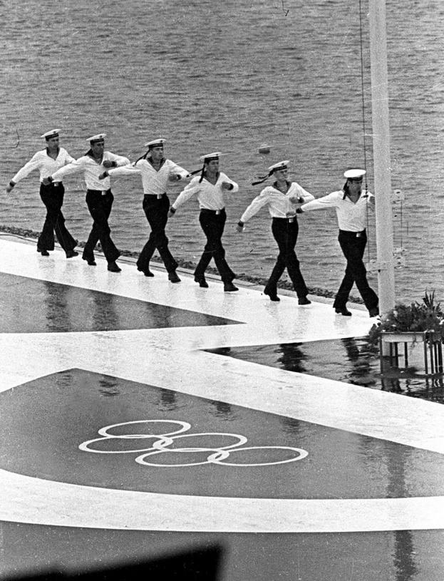 Антураж Олимпиады-80. Фото Ефим Шаинский