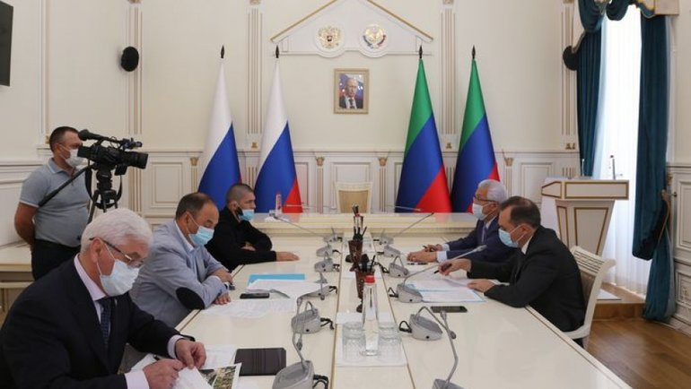 Хабиб Нурмагомедов навстрече сглавой Дагестана.