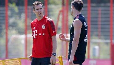 Клозе провел первую тренировку в «Баварии» вкачестве ассистента Флика