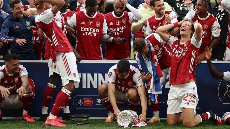 1августа. Лондон. «Арсенал»— «Челси»— 2:1. «Канониры» строфеем. Фото AFP