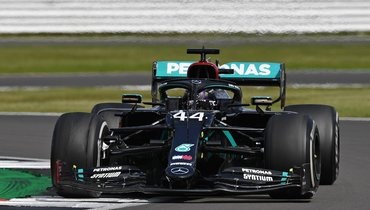 Хэмилтон спроколом выиграл «Гран-при Великобритании», Квят сошел
