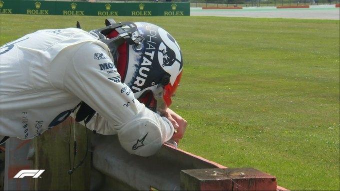 Даниил Квят после аварии. Фото «Формула-1».