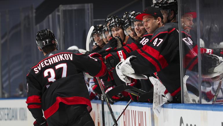 Андрей Свечников оформил хет-трик вовтором матче против «Рейнджерс» (4:1). Фото НХЛ