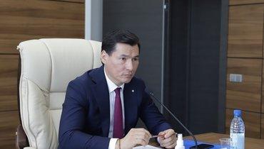 Глава Калмыкии Бату Хасиков заразился коронавирусом