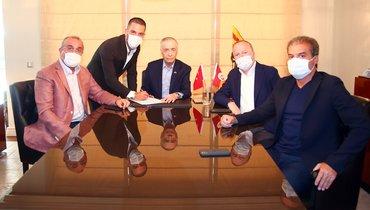 Арда Туран вернулся в «Галатасарай» девять лет спустя