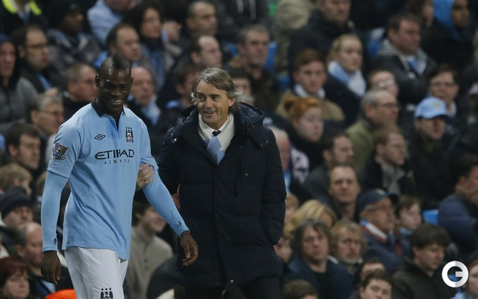 """Манчестер Сити"" - ""Уотфорд"" - 3:0. Марио Балотелли и Роберто Манчини в отличном настроении.  Фото REUTERS."