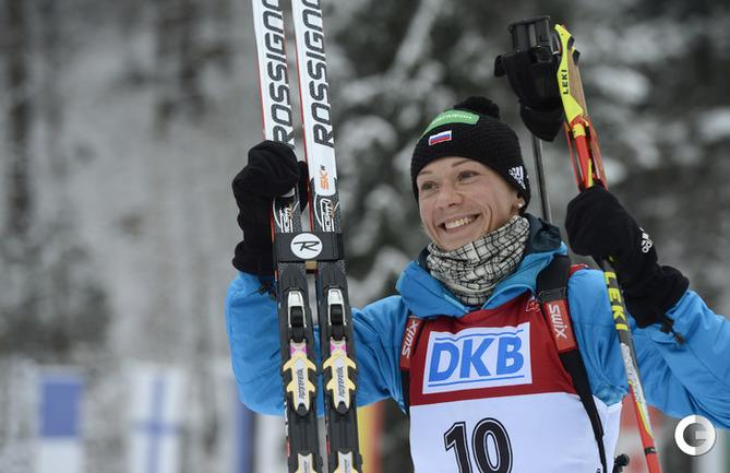 Российская биатлонистка Ольга ЗАЙЦЕВА финиширует третьей.