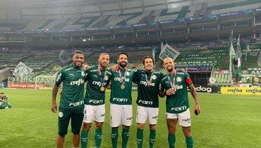 «Палмейрас» победил «Коринтианс» вфинале чемпионата штата Сан-Паулу, ЖоиЛуиз Адриану забили поголу