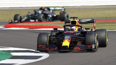 Ферстаппен выиграл «Гран-при 70-летия «Формулы-1», Квят— десятый