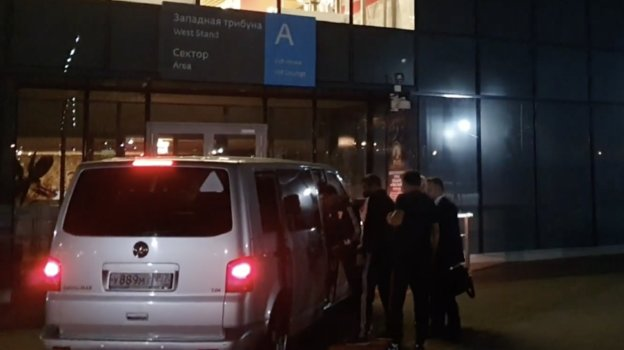 Арбитр матча «Спартак»— «Сочи» Василий Казарцев покинул стадион наавтомобиле.