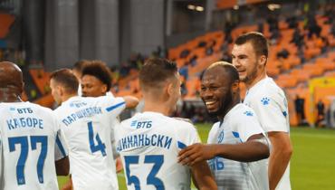 «Динамо» обыграло «Урал» впервом туре чемпионата России