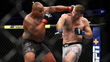 Миочич— Кормье: видеообзор боя турнира UFC 252