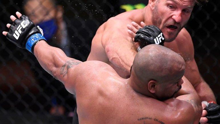 15августа. Лас-Вегас. Стипе Миочич победил Даниэля Кормье. Фото UFC