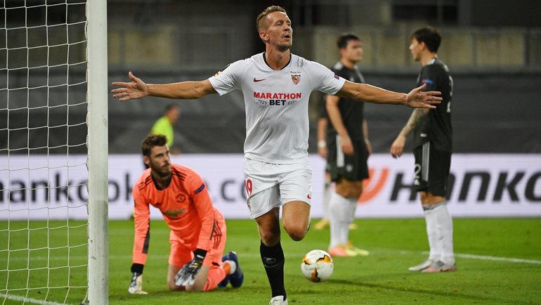 16августа. Кельн. «Севилья»— «Манчестер Юнайтед»— 2:1. Люк деЙонг празднует победный гол. Фото Reuters