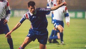 Оформил дубль задве минуты всвоем дебюте засборную Франции. Зидан— легенда мирового футбола