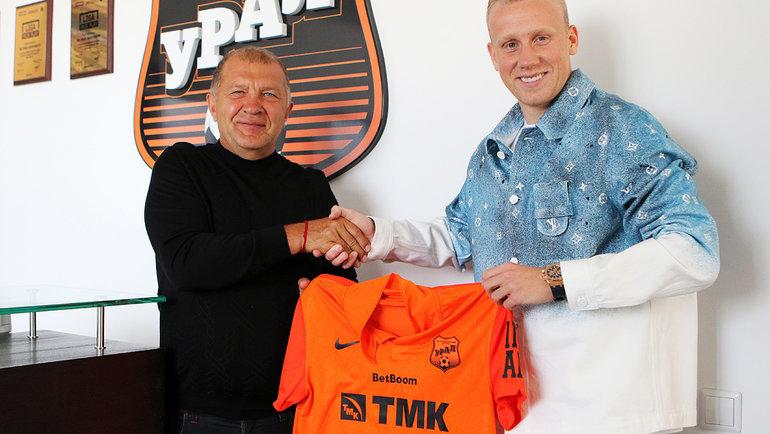 Вячеслав Подберезкин (справа). Фото ФК «Урал».