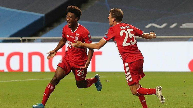 23августа. Лиссабон. «ПСЖ»— «Бавария»— 0:1. 69-я минута. Кинглси Коман (слева) празднует победный гол. Фото AFP