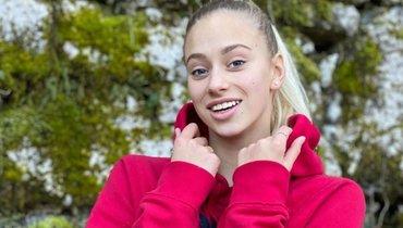 Синхронистка Субботина похвасталась гибкостью встиле гимнастки Солдатовой