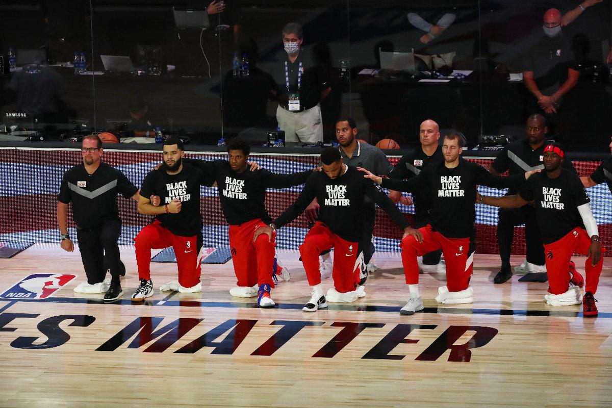 «Нас вешали, расстреливали ипродолжают держать встрахе». Игроки НБА готовы бойкотировать матчи плей-офф