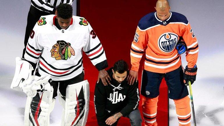 Мэтт Дамба (вцентре)— один изпредставителей хоккейного альянса разнообразия, который борется спроявлениями расизма вхоккее. Фото twitter.com/TheOfficialHDA