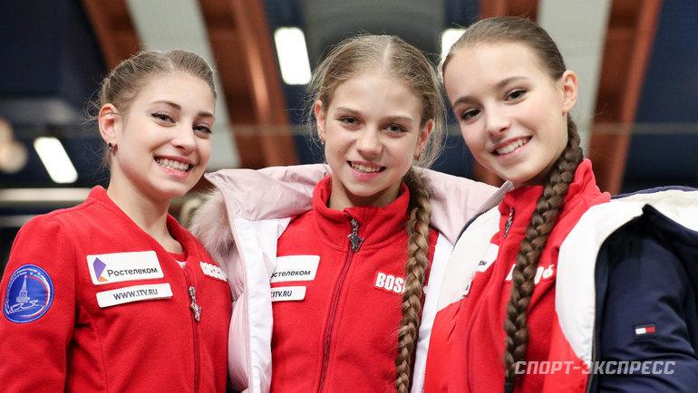 Алена Косторная (слева), Александра Трусова (вцентре) иАнна Щербакова. Фото Дарья Исаева, «СЭ» / Canon EOS-1D X Mark II