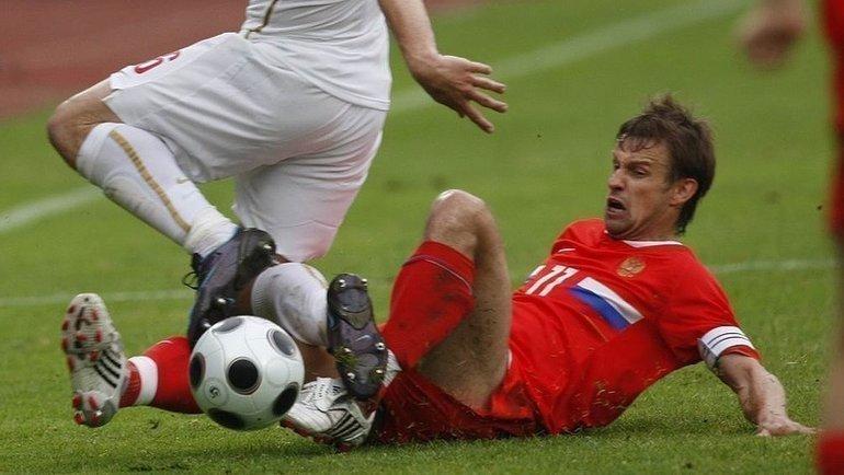 28мая 2008 года. Бургхаузен. Сербия— Россия— 1:2. Подкат Сергея Семака.