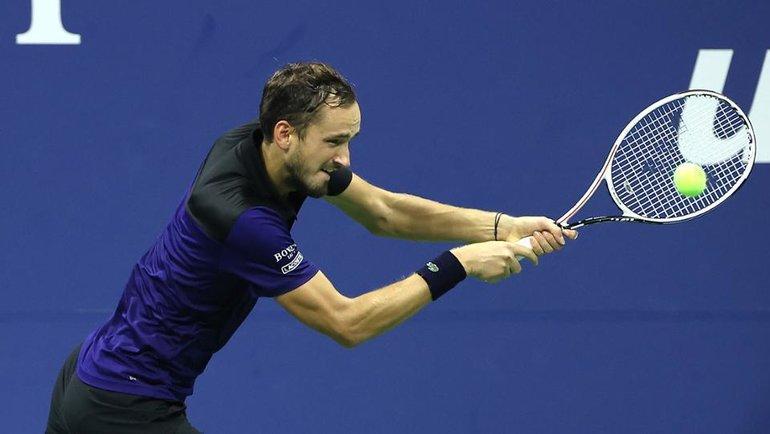 Медведев мягко вкатился вUS Open, Александрова обыграла трехкратную чемпионку