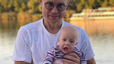 Карпин выложил фото сосвоей маленькой дочкой. Милота дня