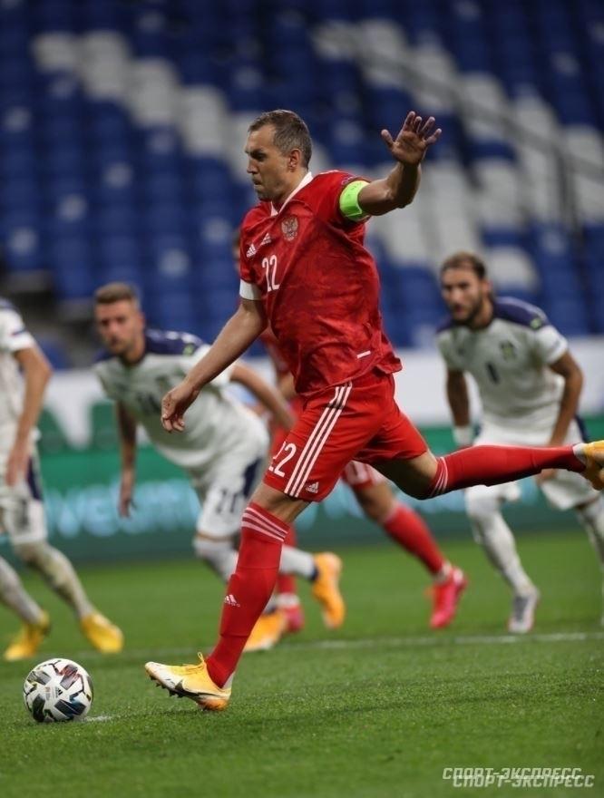 Король воздуха, прессинга иголов. Почему Дзюба— основной форвард сборной России