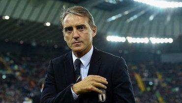 Манчини проглядел отсутствие Кьеллини встартовом составе сборной Италии. Специалист был без очков
