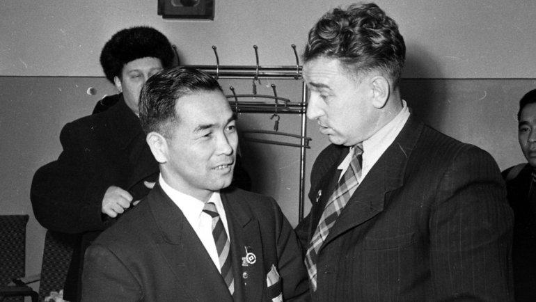 Анатолий Тарасов (справа) итренер сборной Японии. Фото Олег Неелов