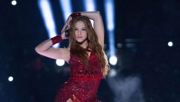 43-летняя Шакира показала дерзкое фото врозовом бикини