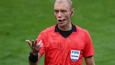 Москалев неназначил два пенальти вматче «Локо»— «Зенит». Эксперт РФС объяснил, почему судья прав