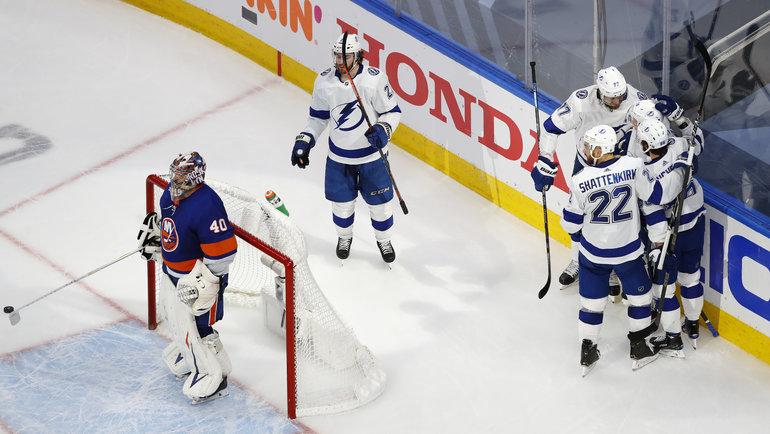 13сентября. Эдмонтон. «Айлендерс»— «Тампа-Бэй»— 1:4. «Молнии» празднуют вторую шайбу. Фото Perry Nelson, USA Today Sports
