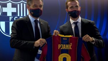 «Барселона» представила Пьянича