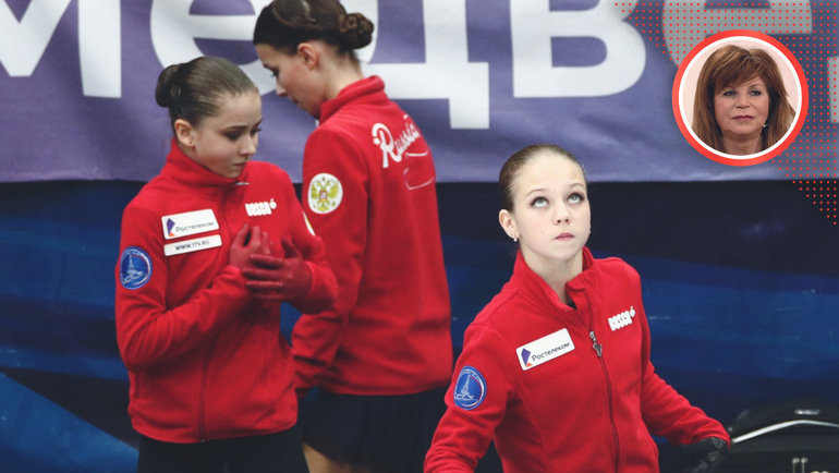Камила Валиева (слева), Анна Щербакова (вцентре) иАлександра Трусова наконтрольных прокатах. Фото Дарья Исаева, «СЭ» / Canon EOS-1D X Mark II