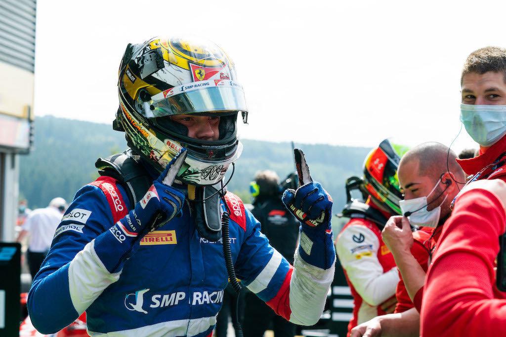 Шварцману пообещали место в «Формуле-1». Сын Шумахера— россиянину неконкурент