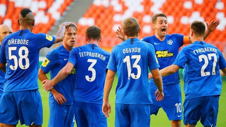 Футболисты «Тамбова» празднуют забитый мяч. Фото ФК «Тамбов»