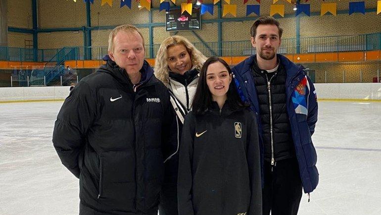 Сергей Дудаков, Этери Тутберидзе, Евгения Медведева иДаниил Глейхенгауз (слева направо). Фото instagram.com