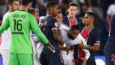 Неймар иПаредес дисквалифицированы надва матча заинцидент вматче с «Марселем»