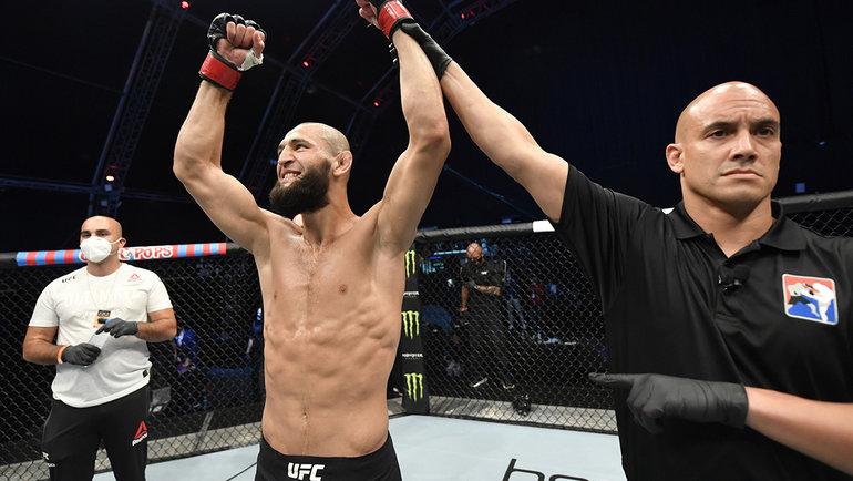 Чеченский викинг разрывает UFC. Чимаев оформил нокаут за17 секунд