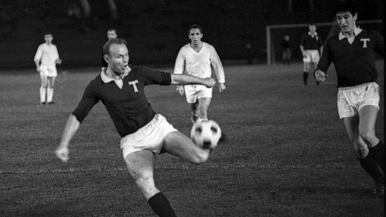 1965 год. Эдуард Стрельцов вернулся в «Торпедо». Фото изархива Евгения Волкова
