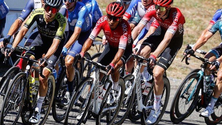 Наиро Кинтана (вцентре) подозревается вупотреблении допинга. Фото Instagram