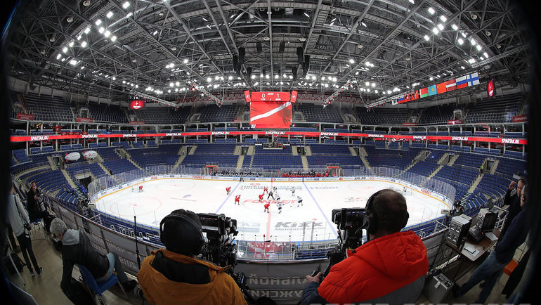 В КХЛ не планируют прерывать чемпионат. Фото Александр Федоров., «СЭ» / Canon EOS-1D X Mark II