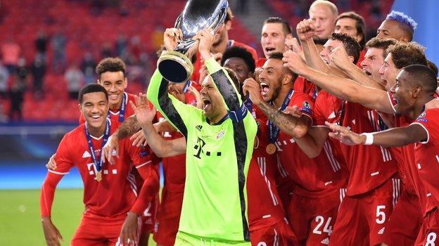 24сентября. Мануэль Нойер сСуперкубком УЕФА. Фото Twitter