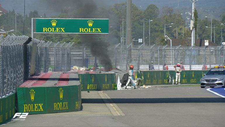 Авария на «Гран-при России». Фото Twitter