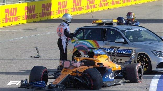 Болид Карлоса Сайнса после аварии на «Гран-при Сочи». Фото Formula 1