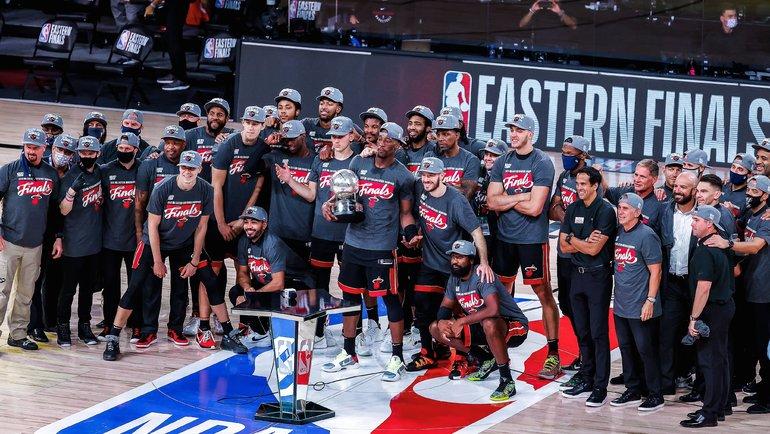 Игроки «Майами» после победы вфинале конференции. Фото twitter.com/MiamiHEAT