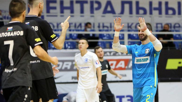 Вратарь «Тюмени» Лео Гужила (№2). Фото МФК «Тюмень»